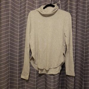 Lou & Grey light gray turtle neck